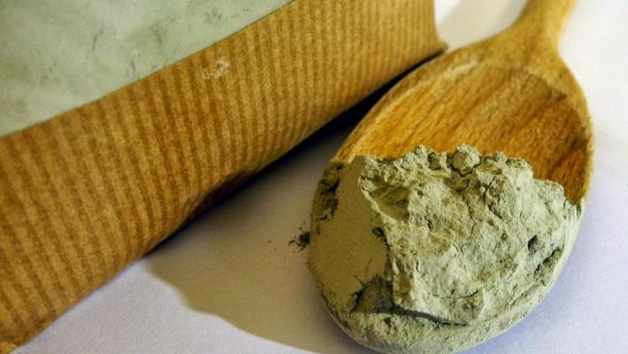 Bendaggio con argilla verde ventilata