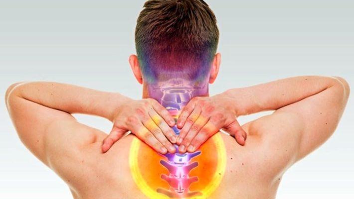 Tutti i sintomi del mal di testa da cervicale